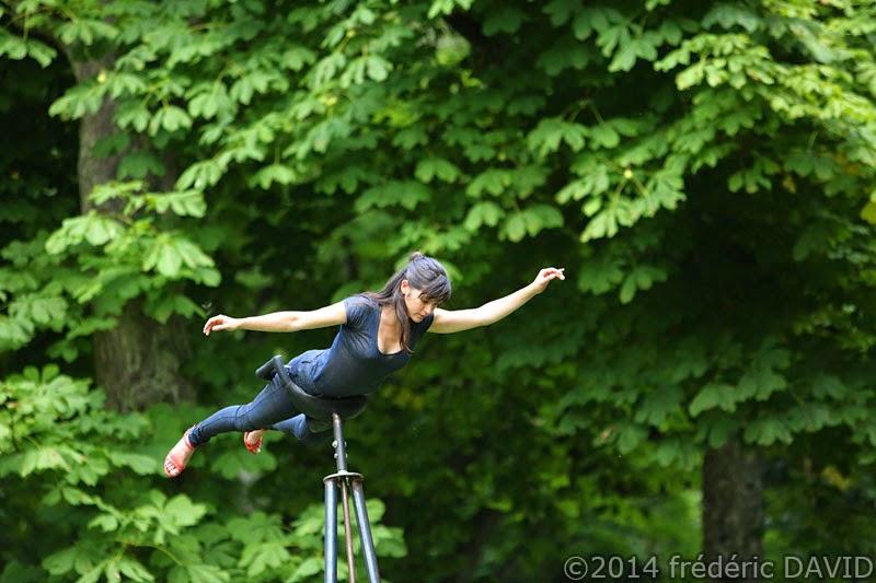 spectcle danse contemporaine cirque cie yoann Bourgeois Marie Fonte Lévité chamarande Essonne