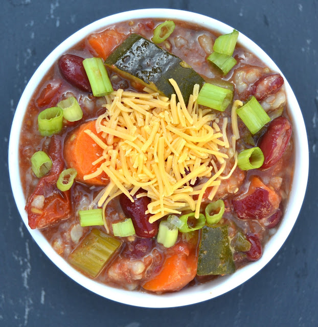 20 Minute Hearty Vegetable Soup- a nutritious soup that is quick and filling. Perfect for cooler days!
