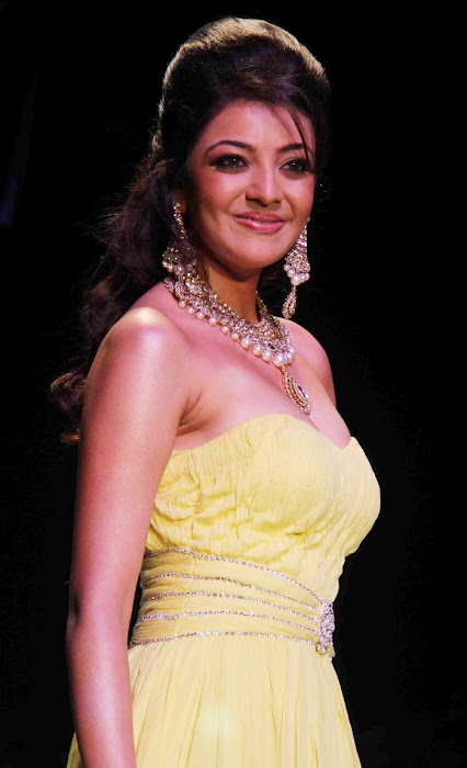 kajal agarwal rwalk at iijw 2011 hot images