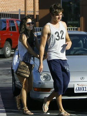 Vhud-tis vanessa hudgens ashley tisdale gym buddies 06