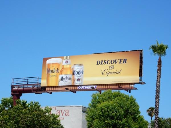 Discover Especial Modelo Beer billboard