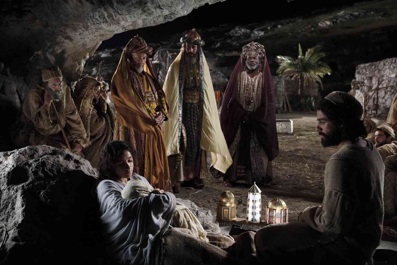 Oscar Isaac Nativity Story likewise Keisha Castle Hughes together with The Nativity Story Movie Joseph together with  additionally Cul428. on oscar isaac the nativity