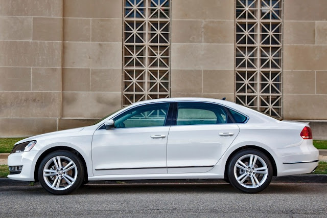 2015 New Volkswagen Passat Limited edition side view