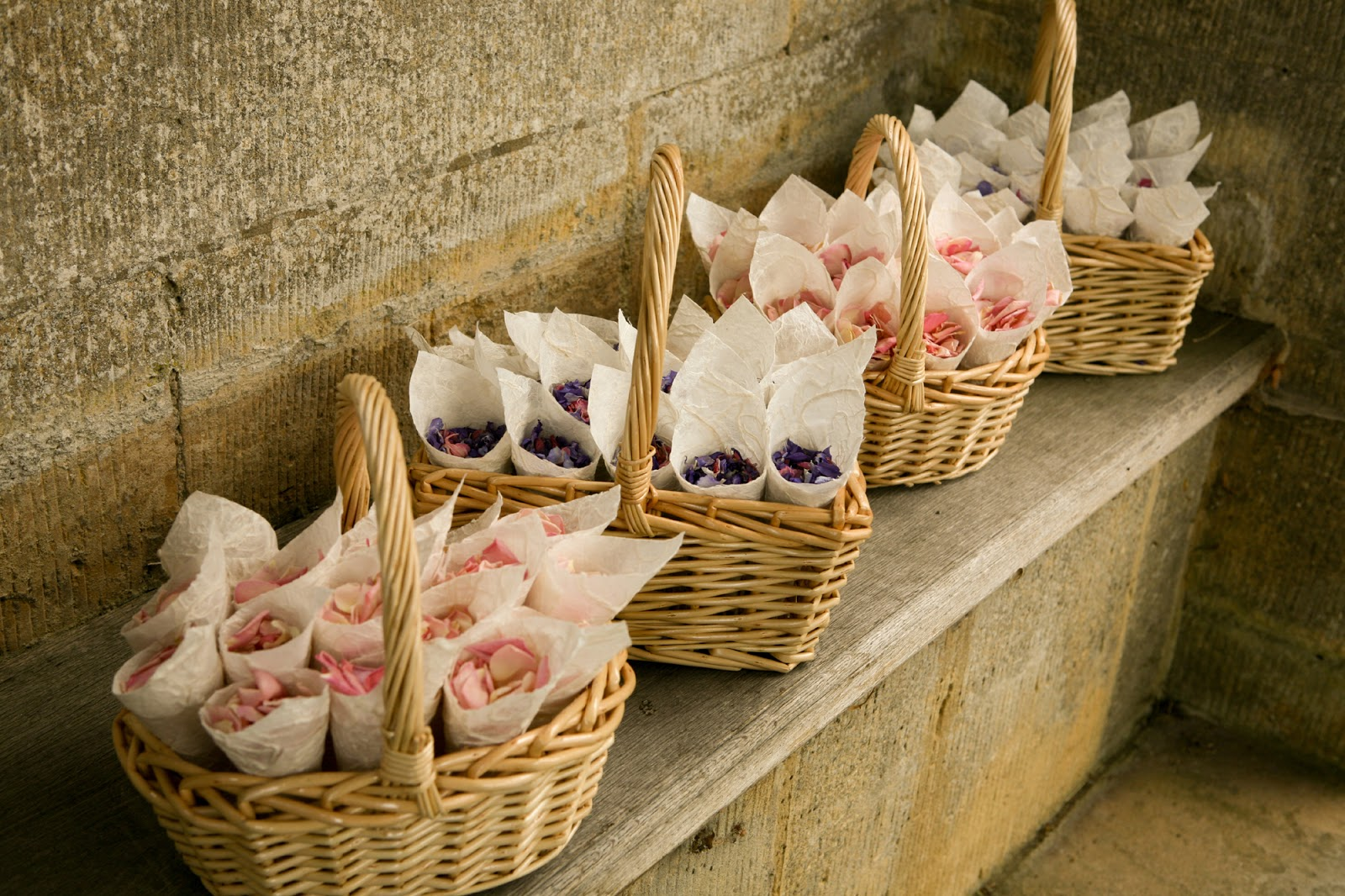 Wedding Baskets For Flower Petals : The confetti choosing your petal tips