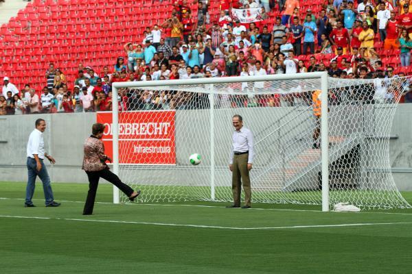 Fotos de inauguração da Arena Pernambuco
