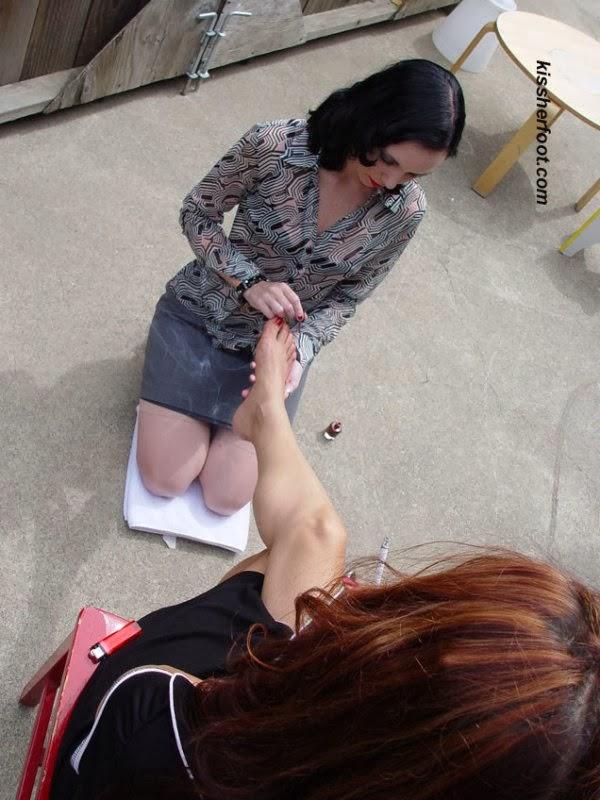 goddess toe paint slave worship femdom