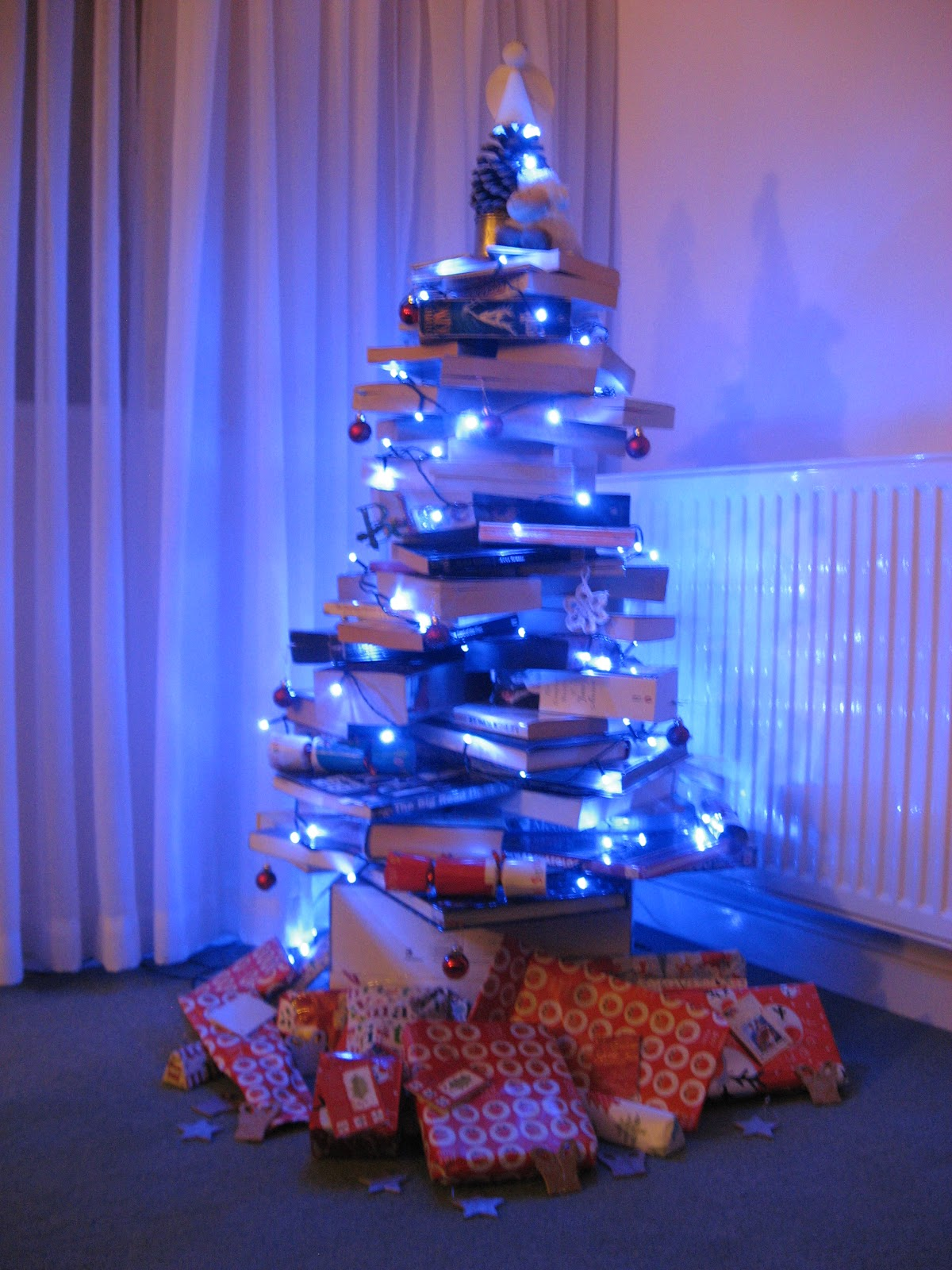 book christmas tree instructions