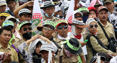Terkait Honorer K2, Presiden Jokowi Dijepit Aturan