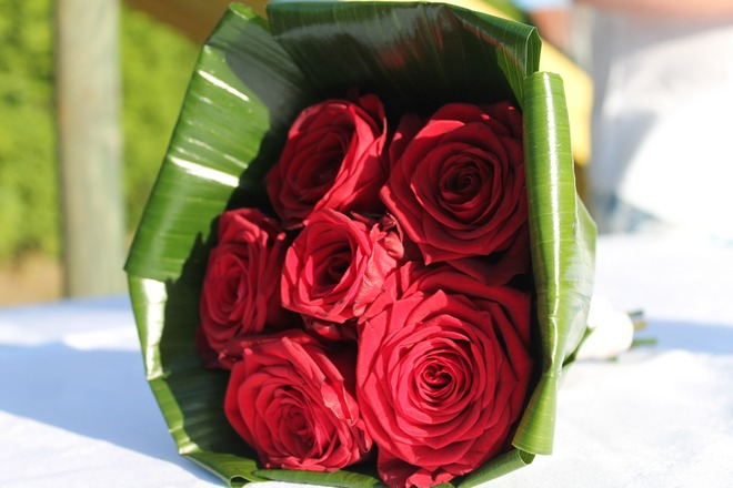 instants bonheur-bouquet-roses-mariage