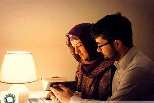 Tanda-tanda Suami Mencintai Anda dengan Diam-diam