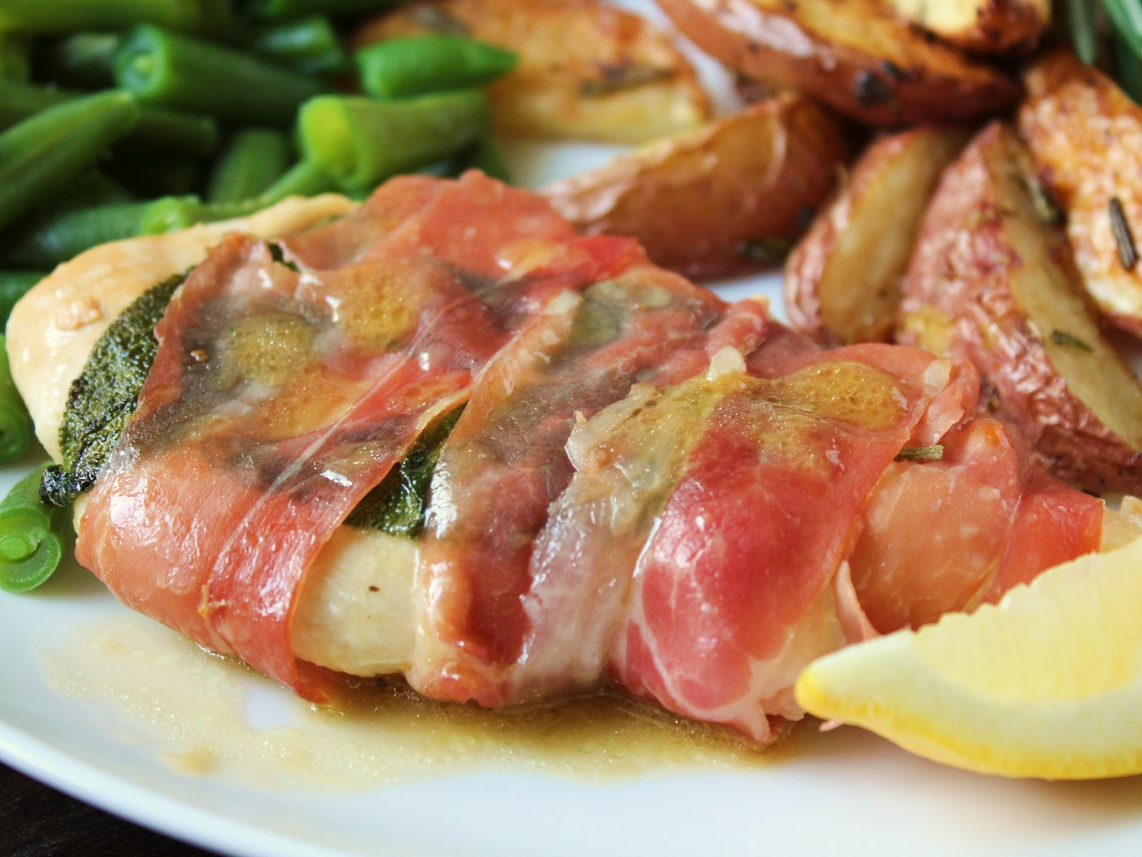 Delicious as it Looks: Recipe Review: Lemony Chicken Saltimbocca