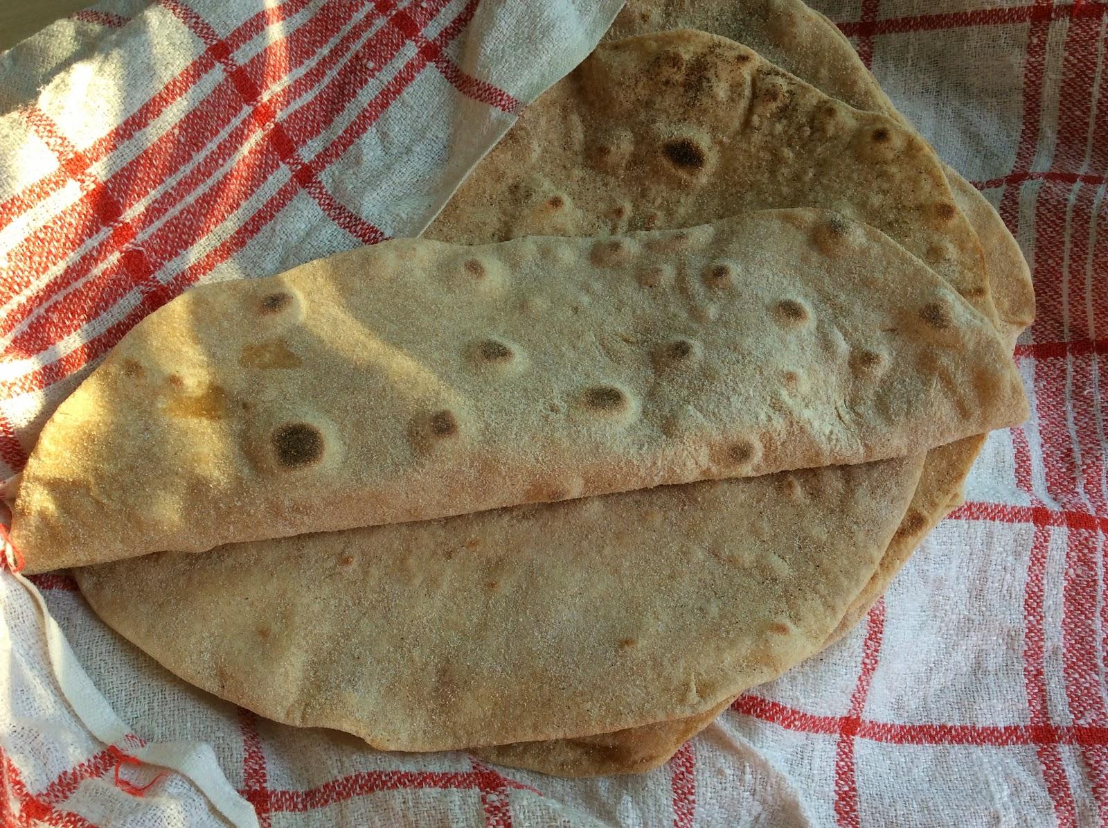 Pevné celozrnné špaldové tortilly
