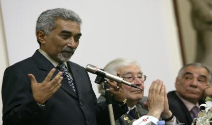 """Mari Alkatiri diz que chefe das Forças Armadas está """"no direito dele de pedir a demissão"""""""