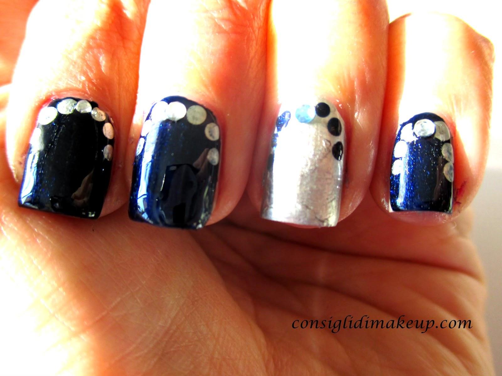 nail art argento blu
