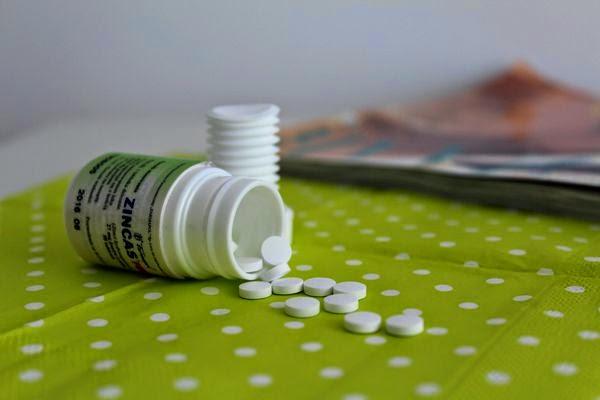 zestaw witamin na co dzień, plusssz spirulina hawajska cynk działanie zastosowanie, witaminy alburnumbybiel, zdrowy tryb życia alburnumbybiel.blogspot.com
