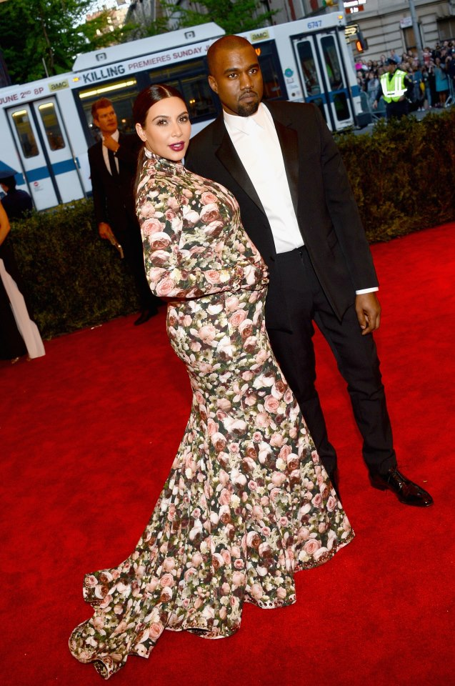 Kim Kardashian's Floral Print Dress Photos With Kanye west