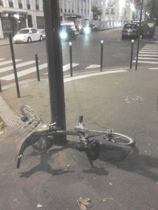 PARIS  DECHARGE