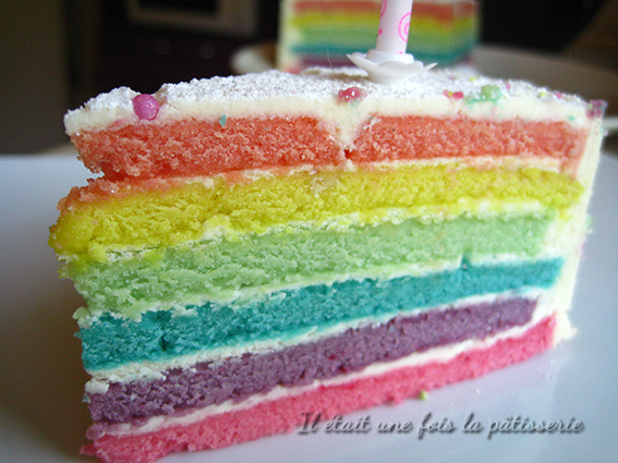 recette du rainbow cake ou g teau arc en ciel il tait une fois la p tisserie. Black Bedroom Furniture Sets. Home Design Ideas