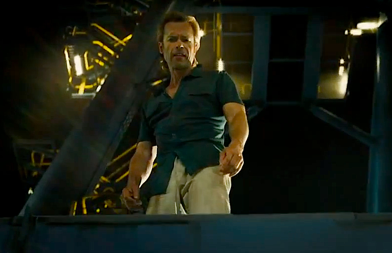 New Looks At Guy Pearce And Don Cheadle From IRON MAN 3 Super Bowl    Guy Pearce Iron Man 3 Tattoos