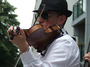 Introducing our cool fiddle player