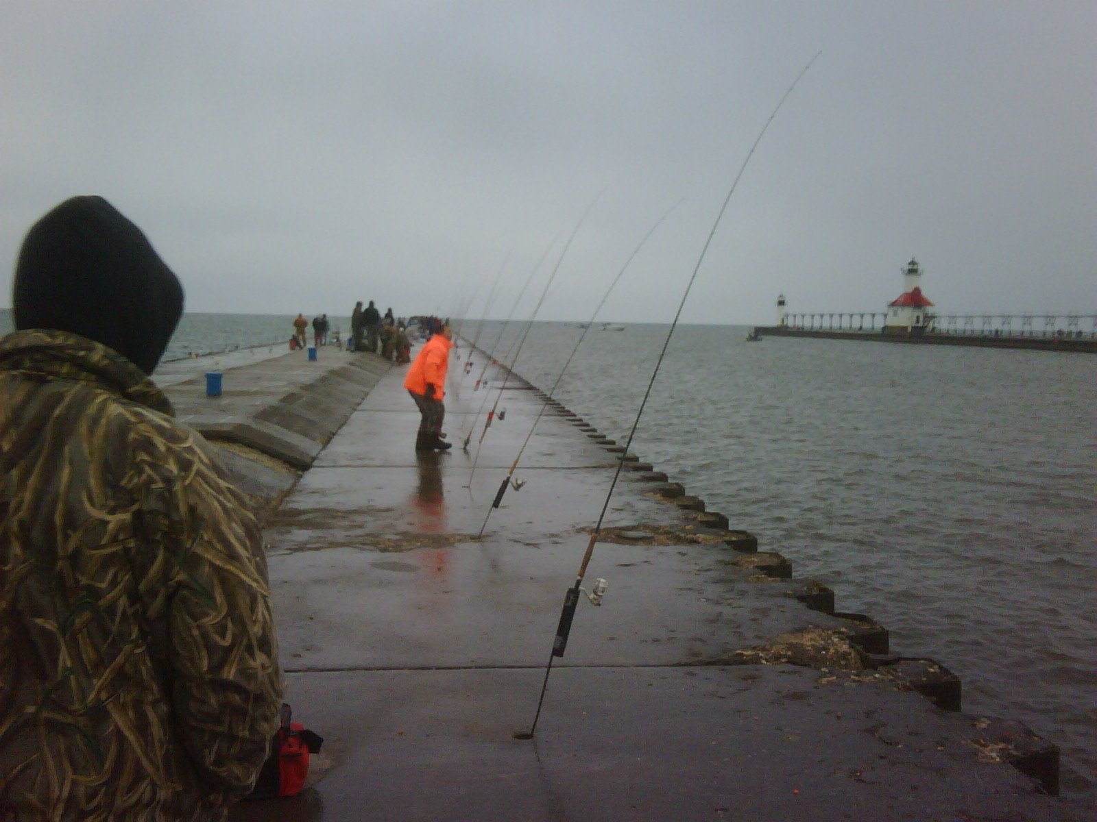Jw 39 s west michigan outdoors its on fish on for Pier fishing tips
