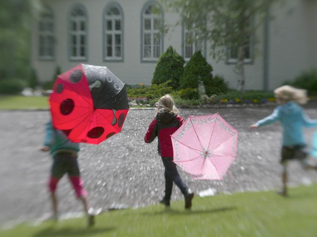 Kids in the rain jpgKids Dancing In The Rain Photography