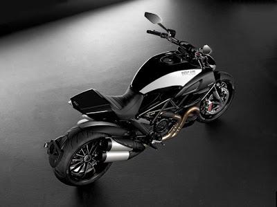2012 Ducati Diavel Cromo