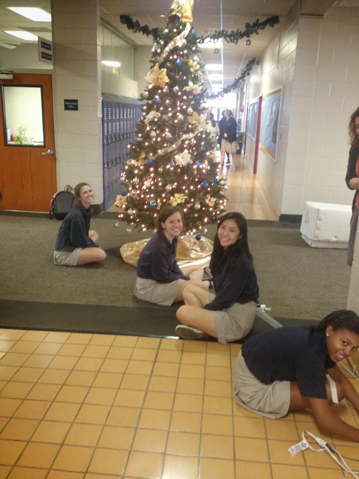 Catholic Students Enjoy Celebrating Christmas on Campus 5