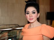 rambut jambul katulistiwa ala syahrini here the photo of syahrini with .