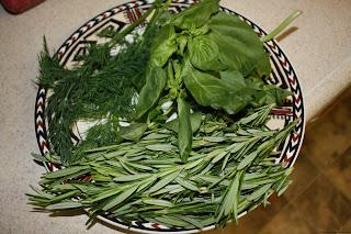 http://www.comfortcookadventures.com/2013/03/drying-herbs-and-vegetables.html