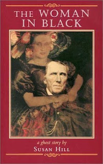 Book cover of The Woman in Black by Susan Hill