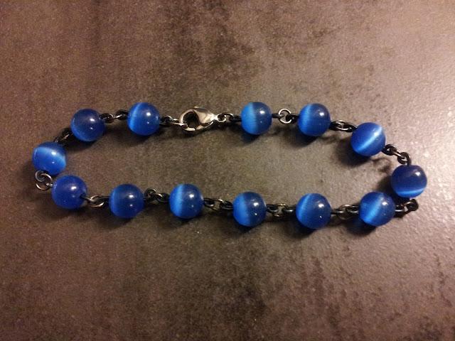 http://www.alittlemarket.com/bracelet/fr_bracelet_elegant_bardan_bleu_perles_de_verre_-16948485.html