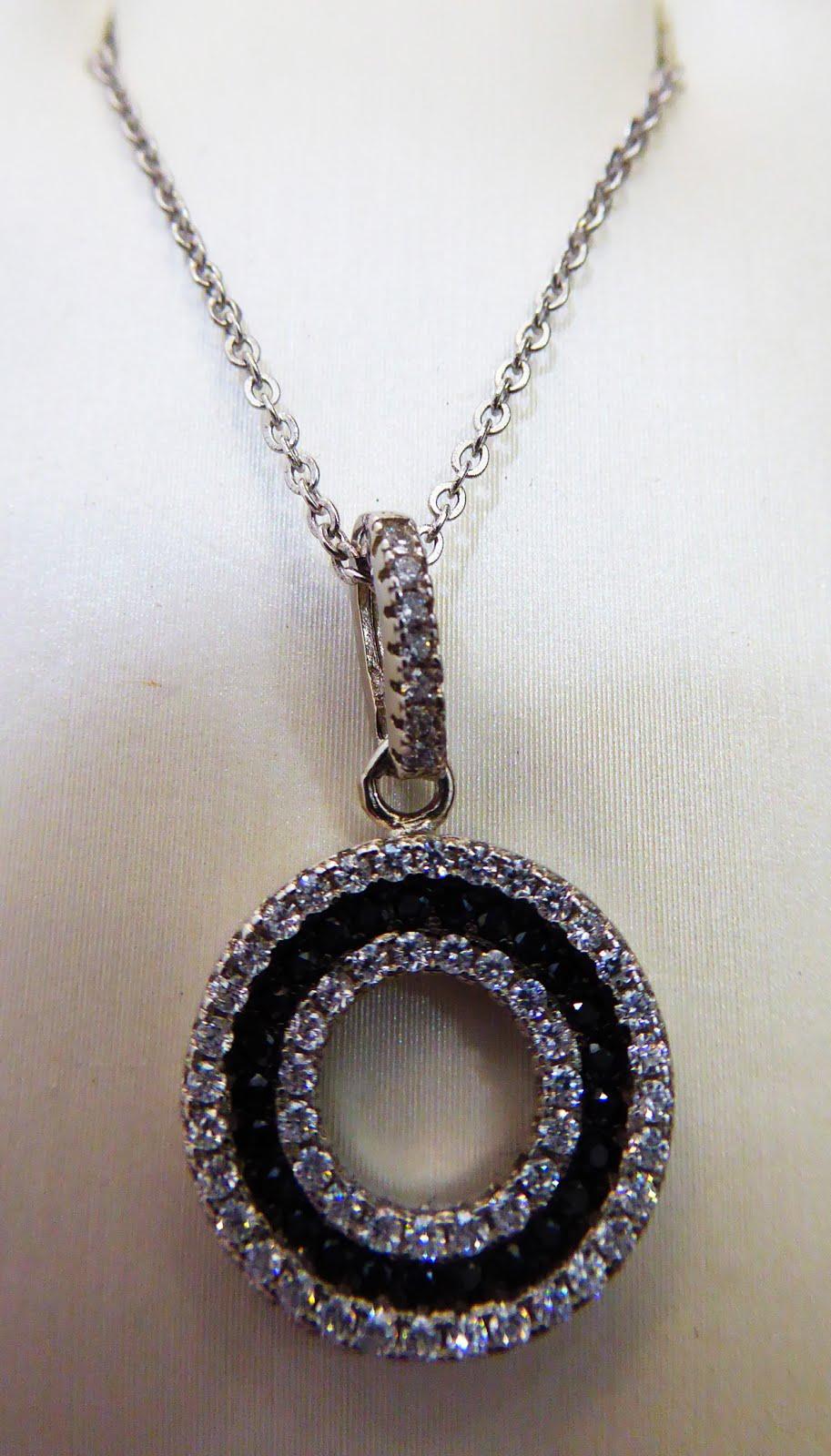 Colgante de plata con cadena