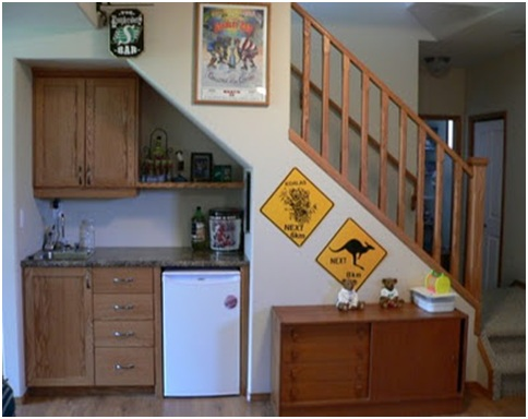 Kitchen under the stairs small kitchens kitchen for Kitchenette design ideas