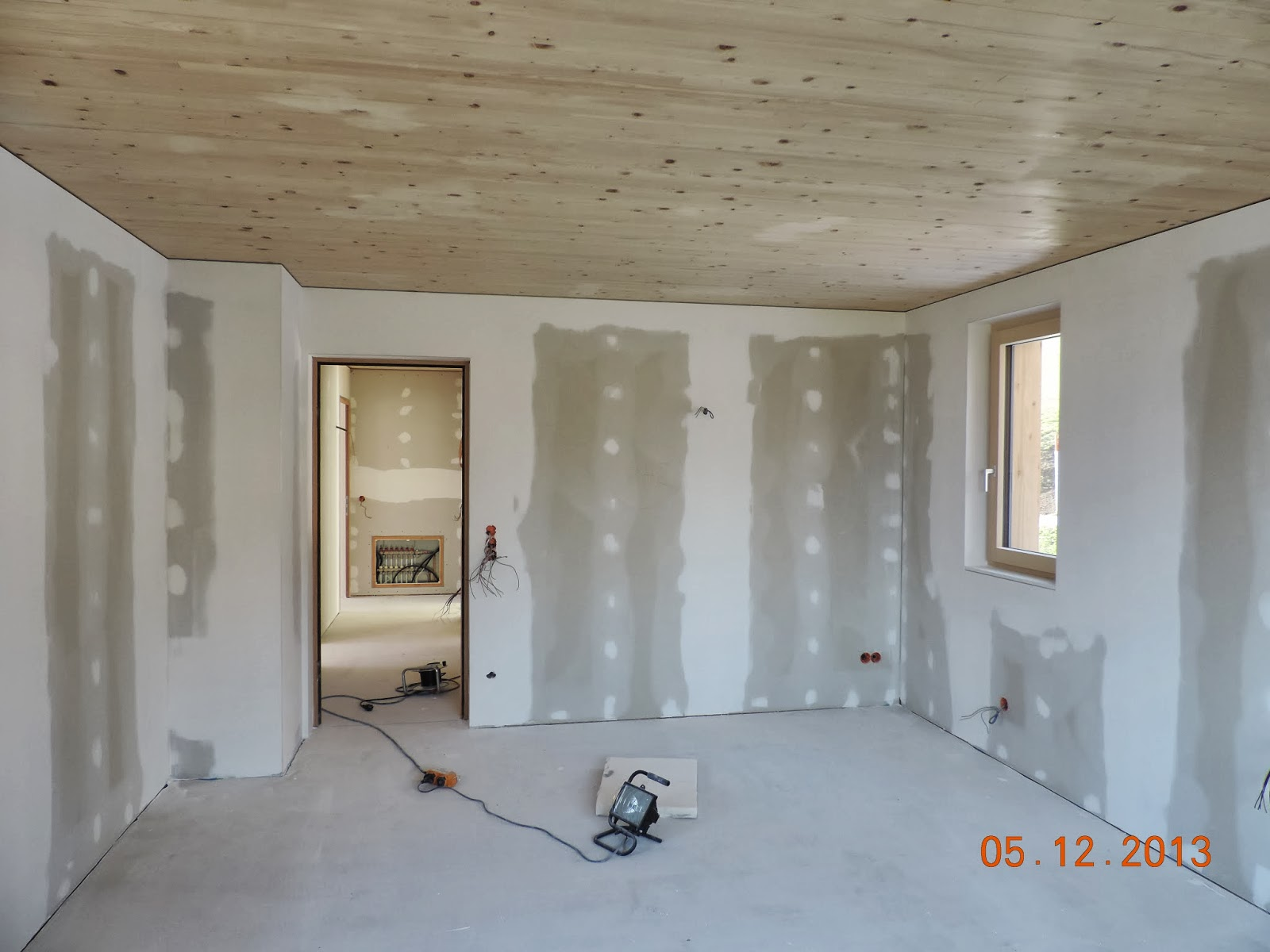 hausbau tagebuch von kathrin und kraxi fliesen spachteln und malen. Black Bedroom Furniture Sets. Home Design Ideas