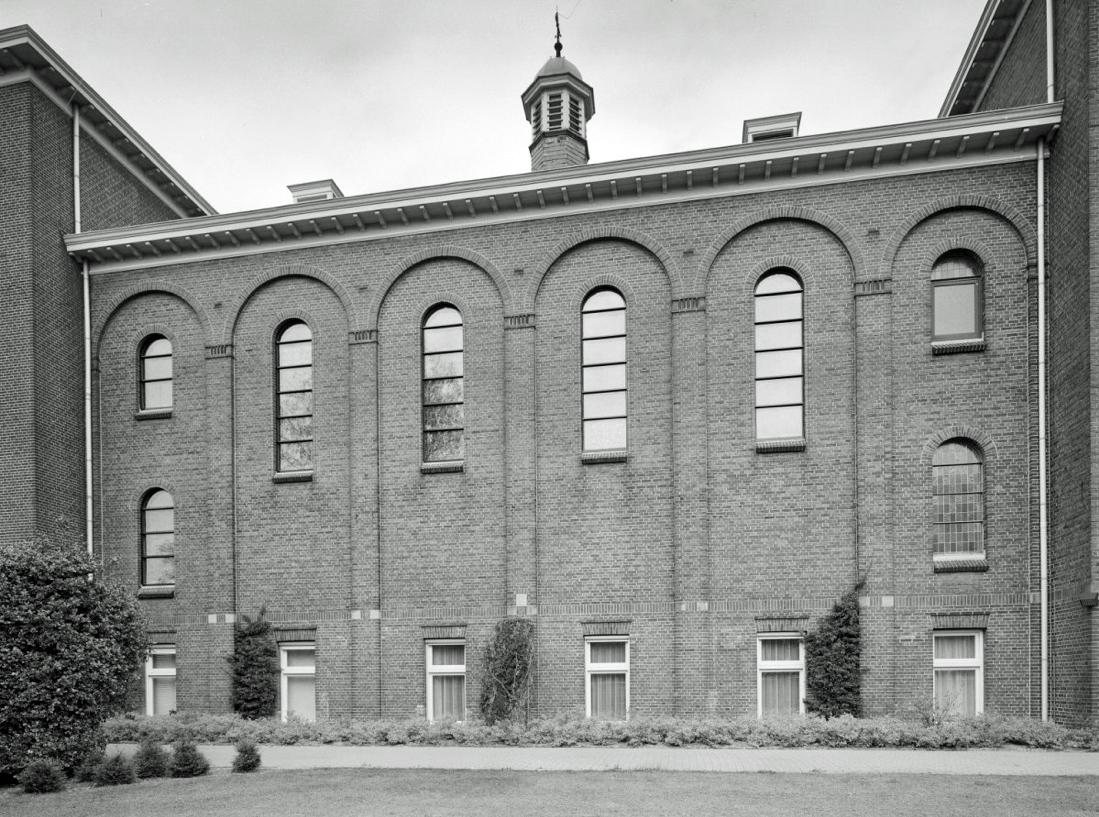 Architectuur in uden: april 2013