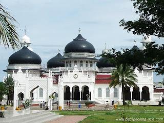 Buka Puasa Gratis di Masjid Aceh
