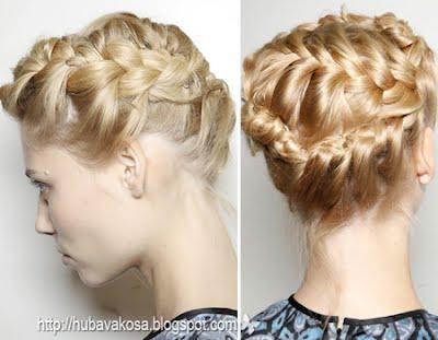 Романтична прическа със сплетена коса Valentino пролет-лято 2012