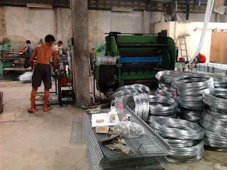 Proses Pembuatan Kandang Battery / Kandang Besi - Anwar Peternak Ayam Petelur - Sukabumi