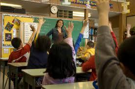 أتحداك ألا تبكي قصة معلمة  وتلميذها ( العاطفة تصنع المعجزات )
