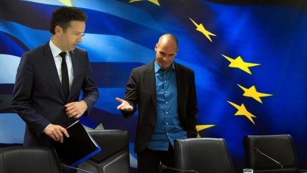 Ο πρόεδρος της Ευρωομάδας, Γερούν Ντάισελμπλουμ με τον Έλληνα υπουργός Οικονομικών Γιάννης Βαρουφάκης