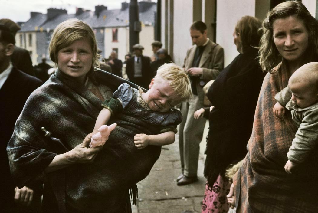 Женщина с ребенком.