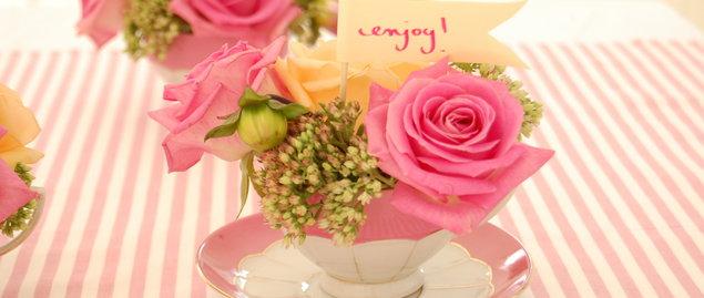decoracao de interiores faceis de fazer : decoracao de interiores faceis de fazer:Tea Cup Flower Arrangements
