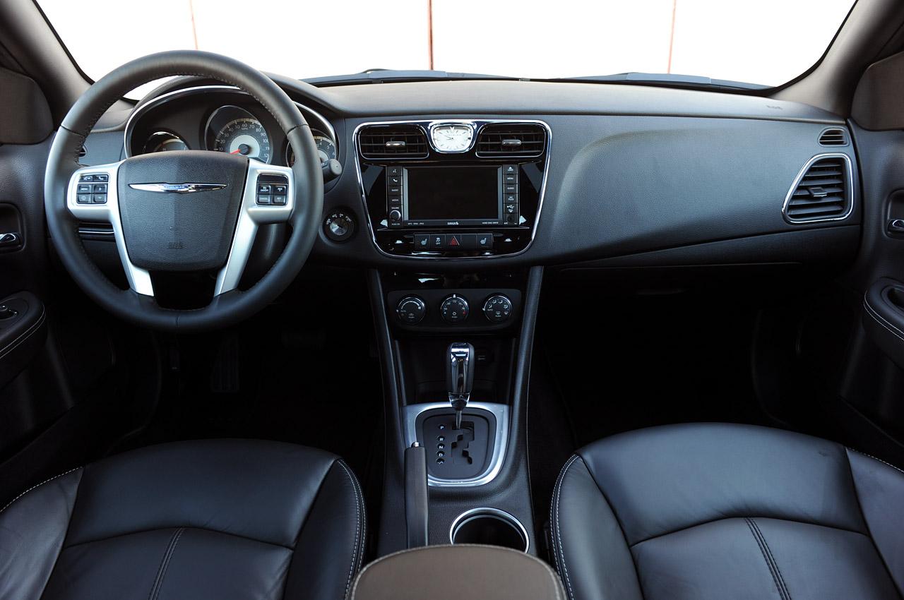 Chrysler 200 Sedan 2012 Car Barn Sport