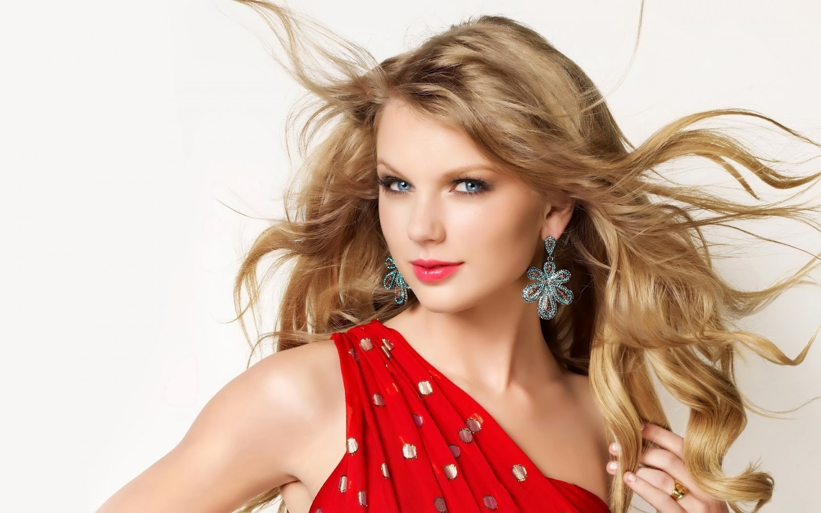 my cute and lovable space♥: taylor swift is coming back to manila!