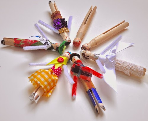 http://vickismithartwithkids.blogspot.com/2014/11/clothes-pin-dolls.html