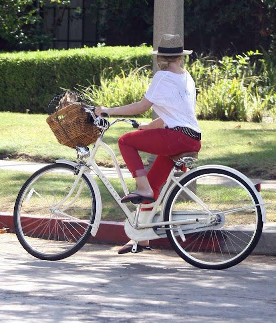 Hilary Duff – Bicycling in Toluca Lake
