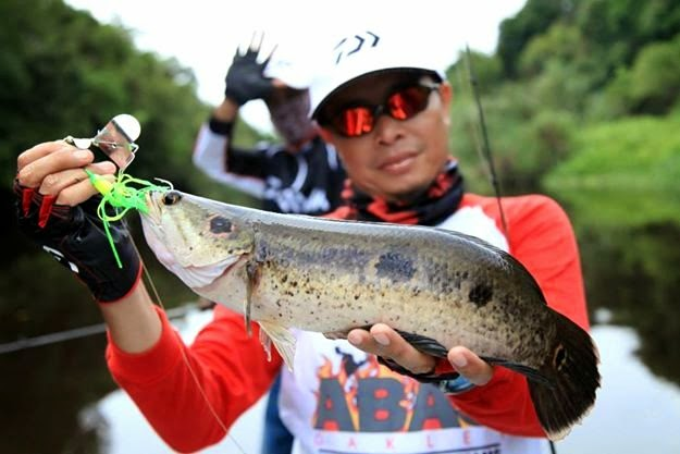 ABAS OAKLEY WILD FISHING ADVENTURE TEAM