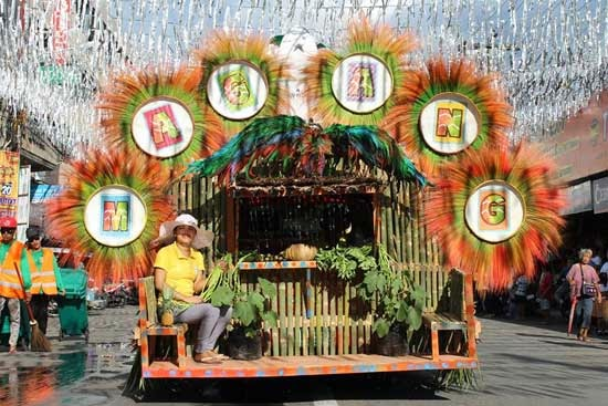Pinyasan 2014 Float Parade Daet, Camarines Norte
