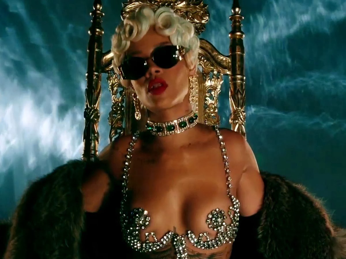 "Rihanna ""Pour It Up"" screencaps"